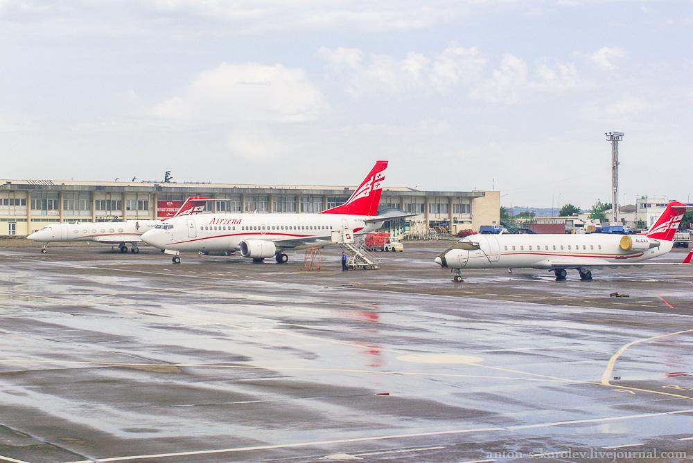 Аэропорт Тбилиси «Новоалексеевка». Взгляд из иллюминатора.