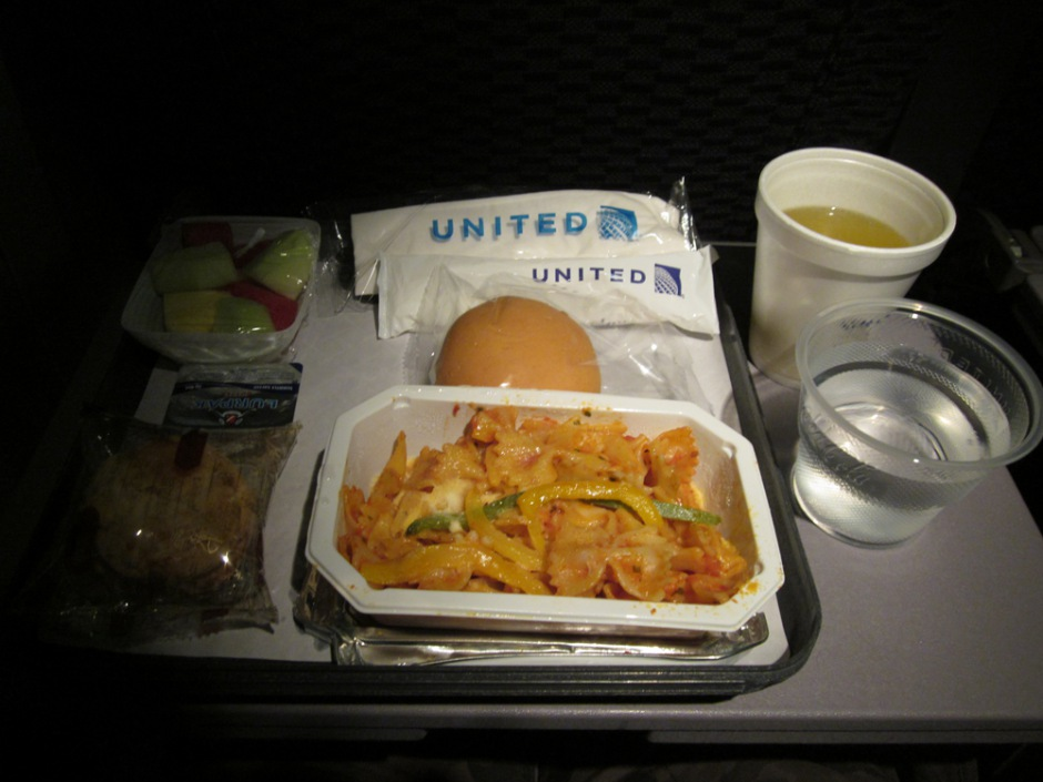 Meal on United flight Hong Kong - Ho Shi Minh City