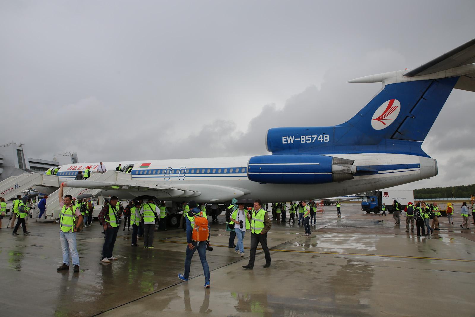 Самолет Ту-154М Белавиа в аэропорту Минска