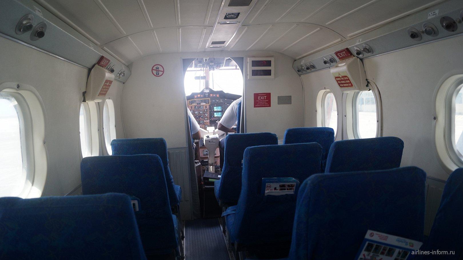 Салон самолета DHC-6 Twin Otter авиакомпании Air Seychelles