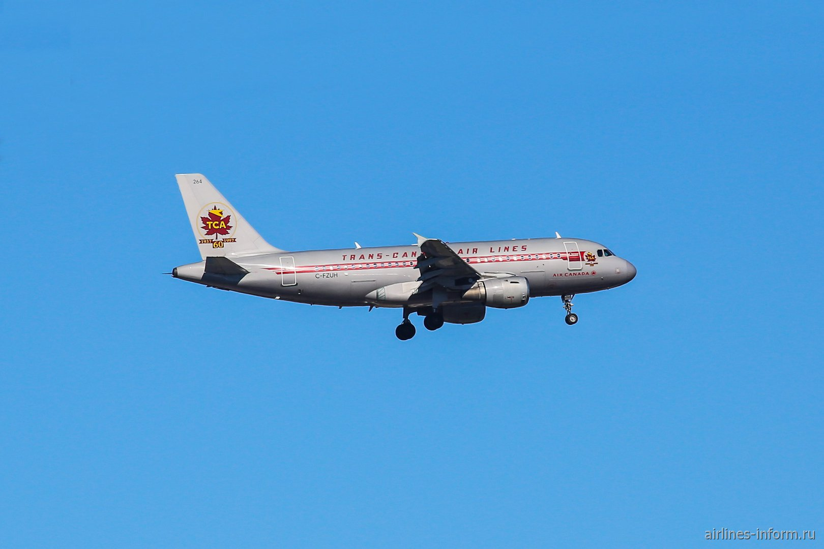 "Airbus A319 Air Canada с номером C-FZUH в ретро-окраске ""Trans-Canadian Air Lines""."
