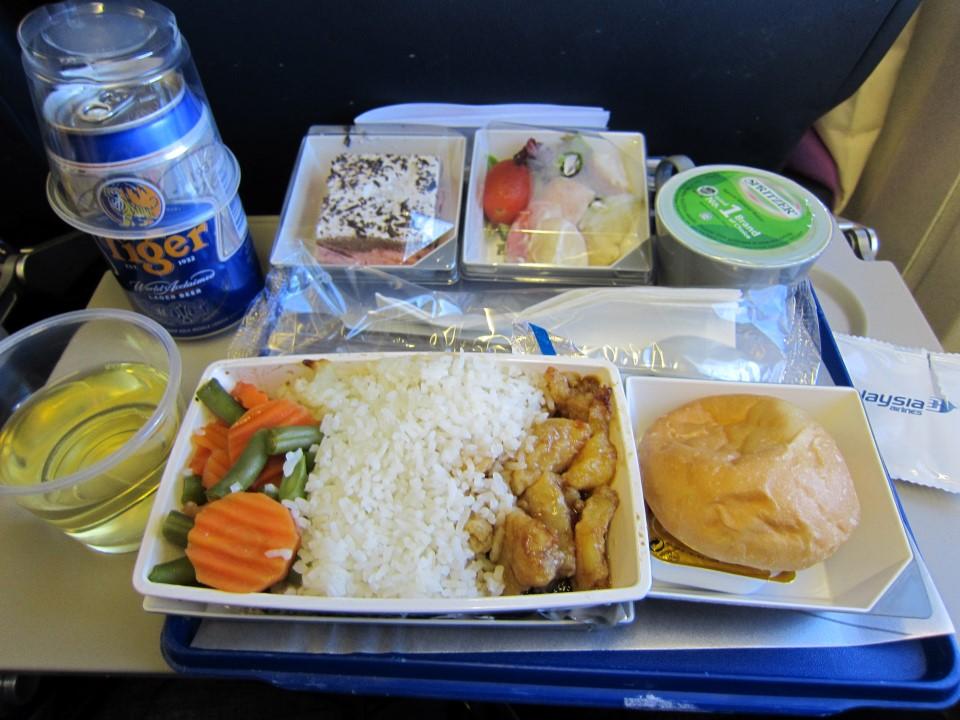 Бортовое питание не рейсе Куала-Лумпур - Гонконг авиакомпании Malaysia Airlines