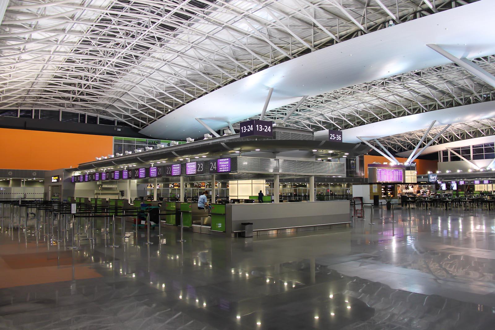 Стойки регистрации в Терминале Д аэропорта Борисполь
