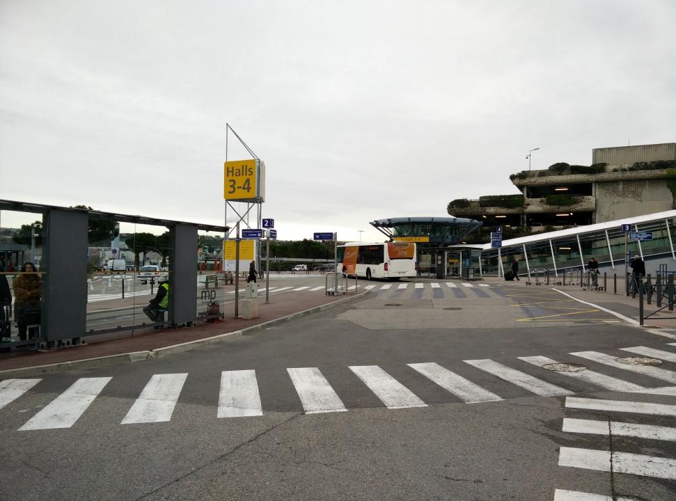 Вид с привокзальной площади на Холлы 3-4 аэропорта Марсель Прованс