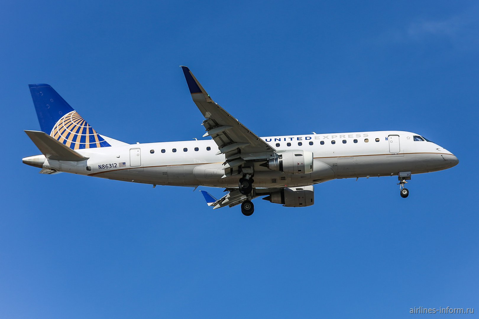 Embraer 175 N86312 в окраске United Express