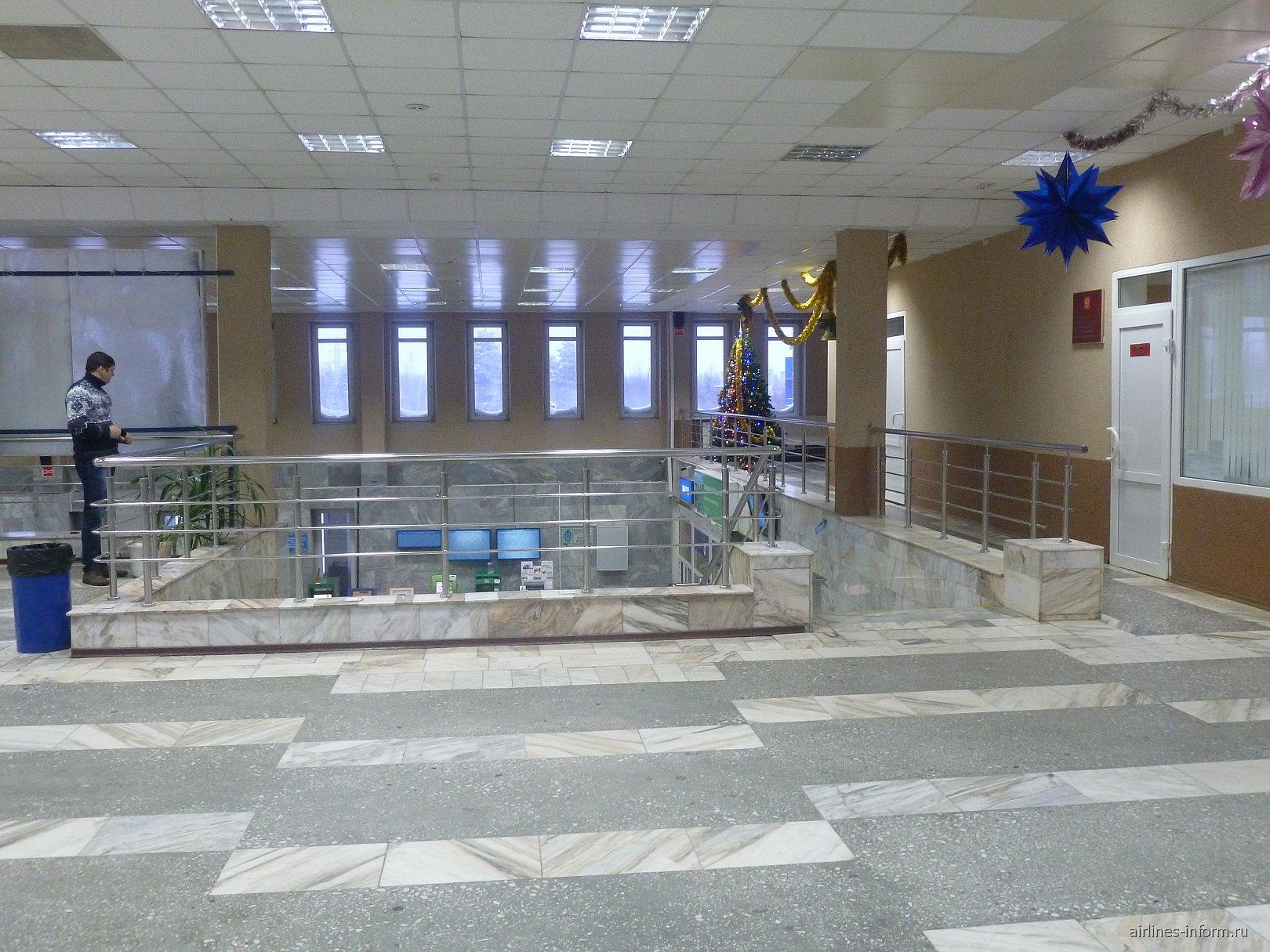 На 2-м этаже аэровокзала аэропорта Ноябрьск