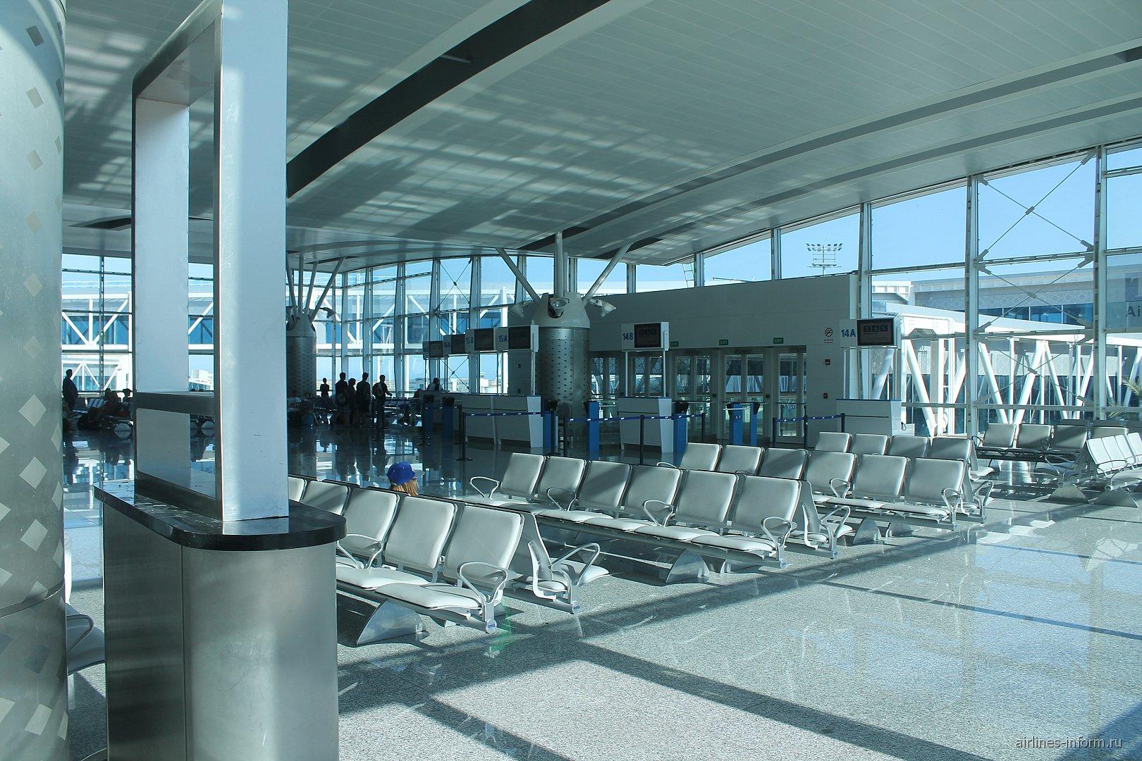 Зал ожидания в чистой зоне аэропорта Энфида-Хаммамет