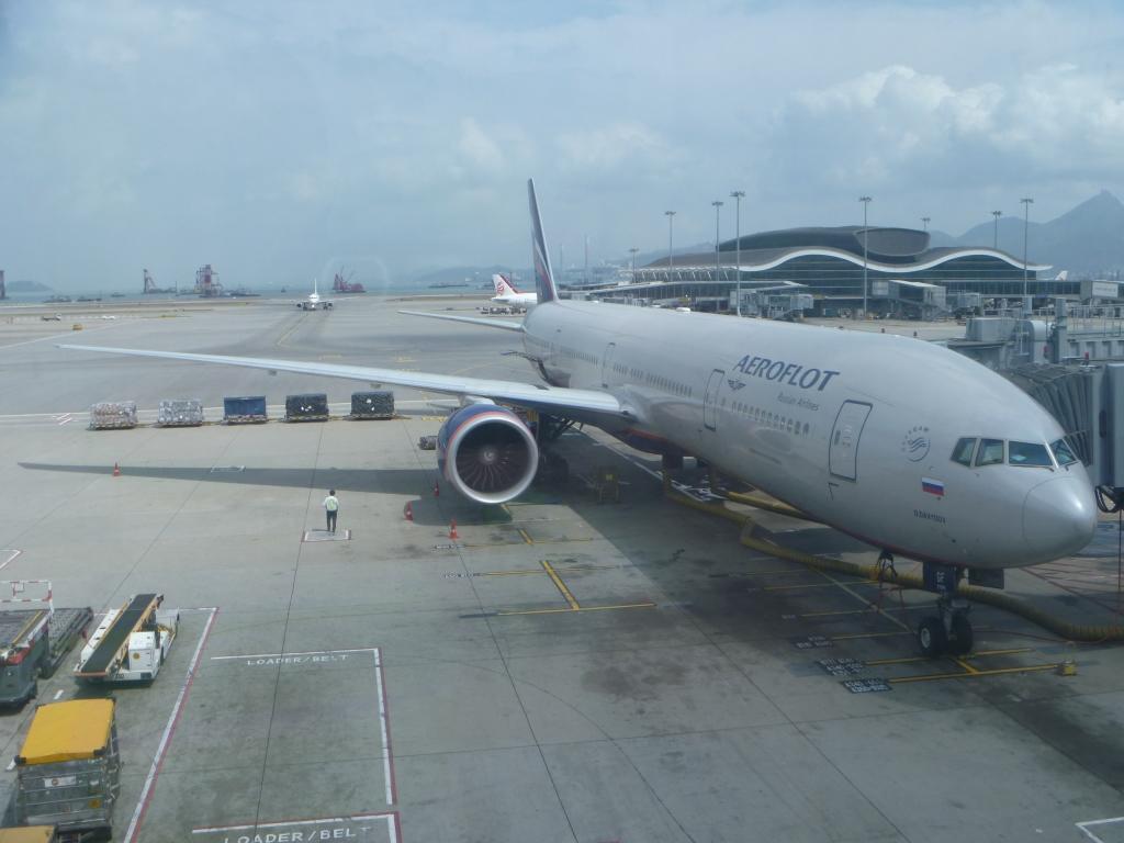 Из Европы в Азию и обратно. Часть 8. Гонконг - Москва (SVO/F) на Boeing 777-300 АЭРОФЛОТ.
