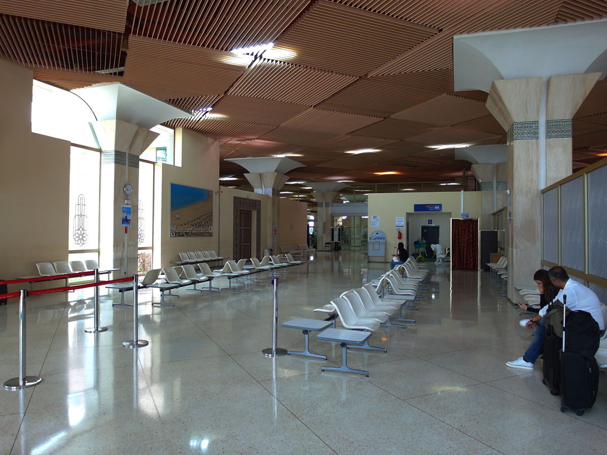 Зал ожидания вылета внутренних рейсов аэропорта Агадир Аль-Массира