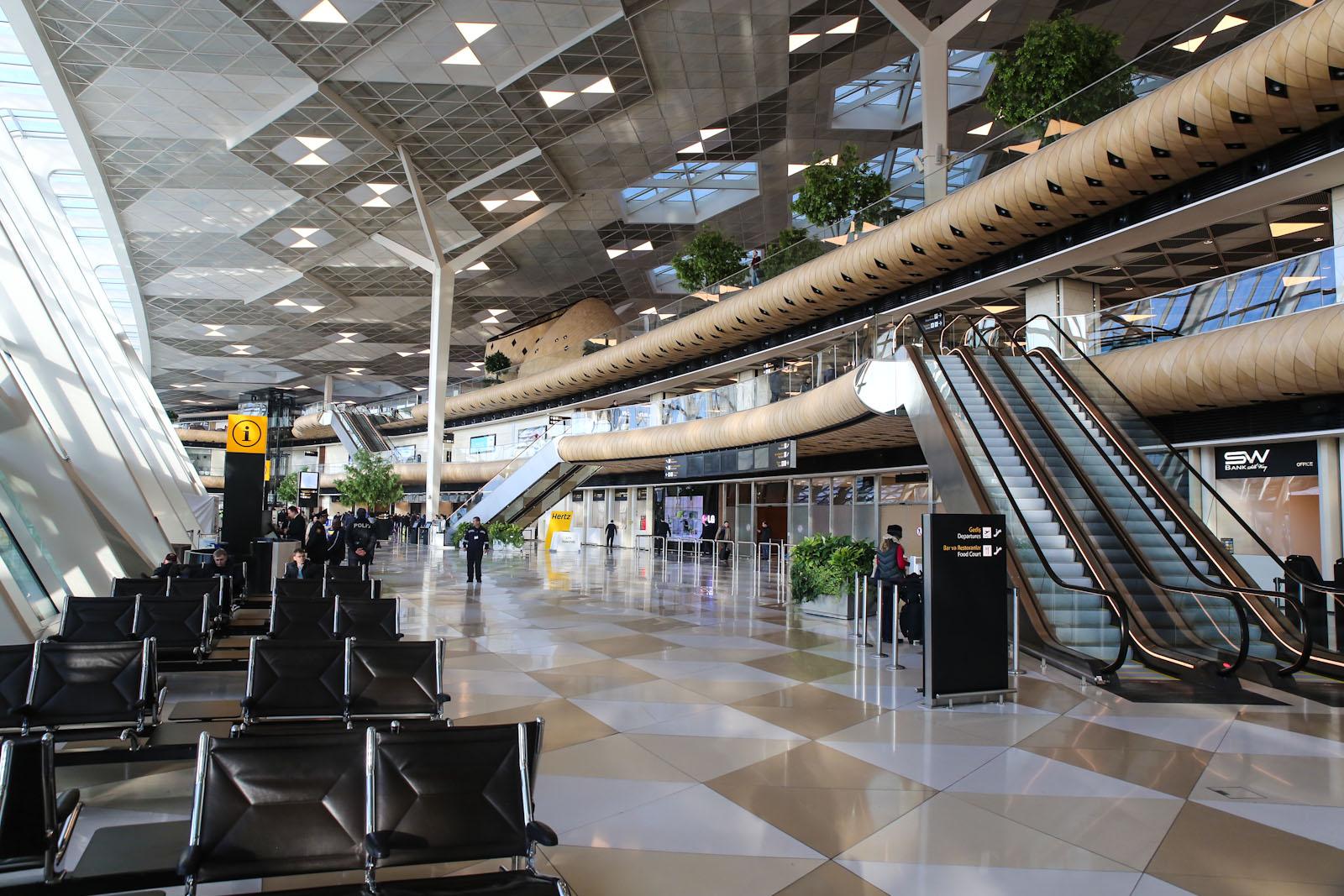 В терминале 1 аэропорта Баку