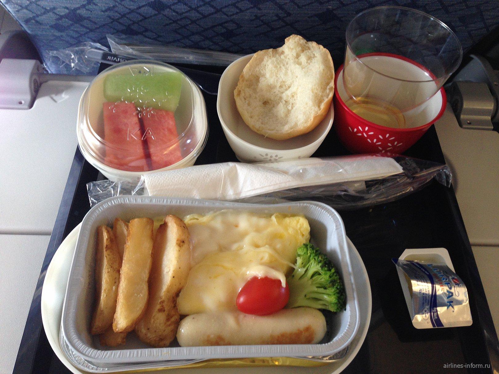 Питание на рейсе Dragonair Гонконг-Пхукет