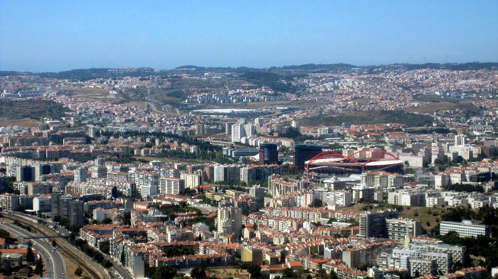 Вид на Лиссабон из самолета перед посадкой
