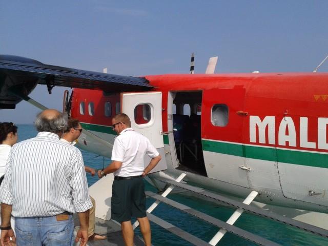 Посадка на рейс авиакомпании Maldivian Air Taxi