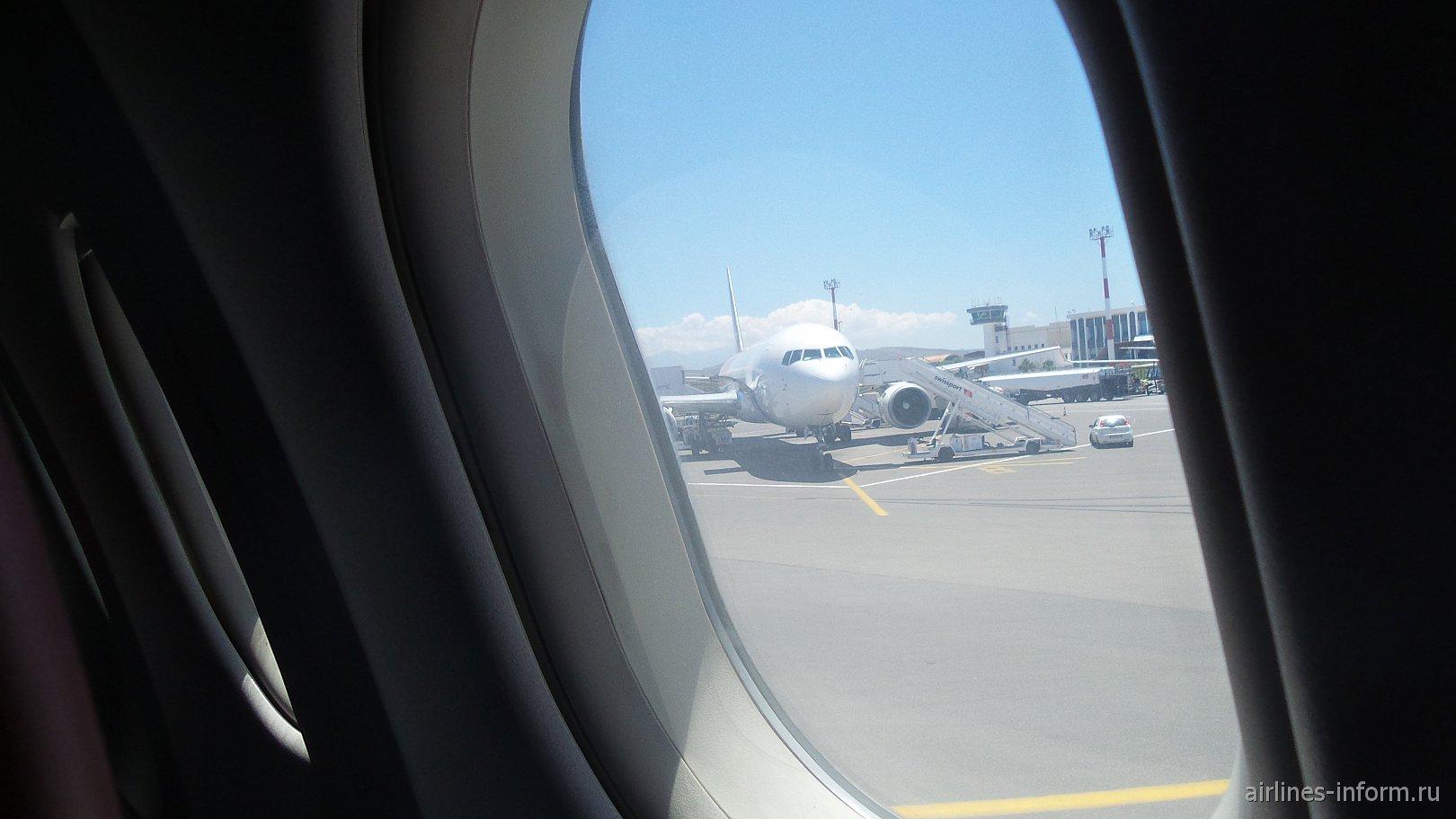 Боинг 757-200 Икара.