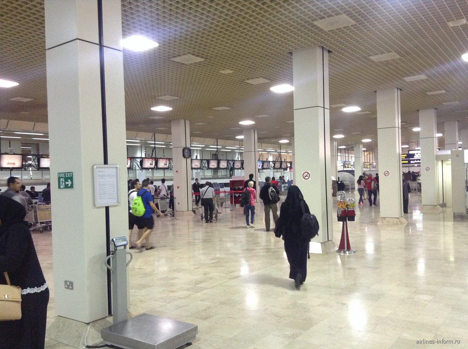 Зал регистрации на рейсы в аэропорта Бахрейн