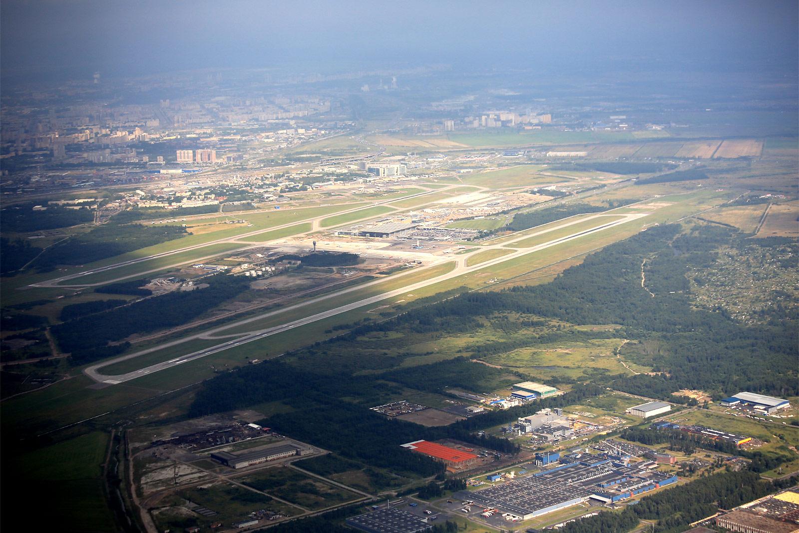 Вид на аэропорт Пулково из самолета