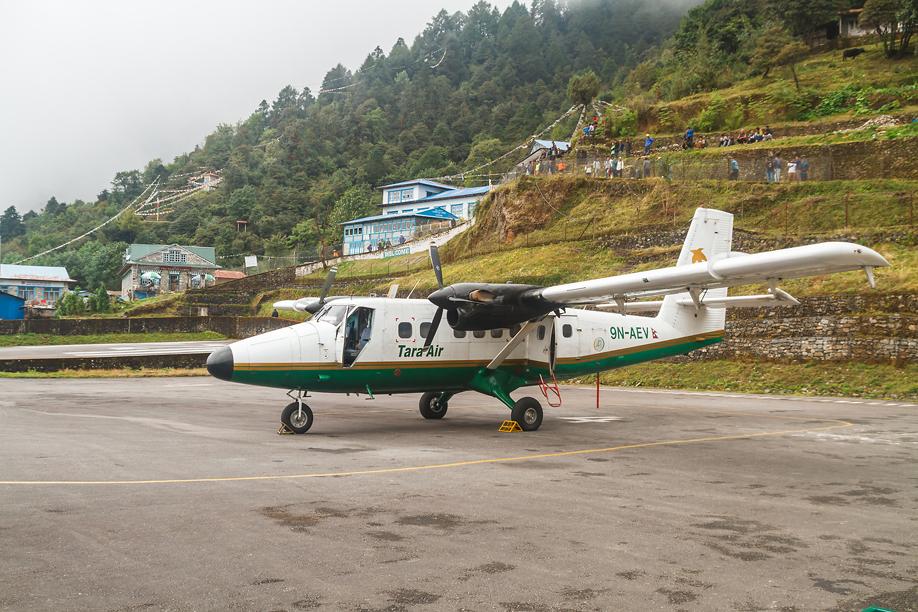 DHC-6 Twin Otter авиакомпании Tara Air в аэропорту Лукла