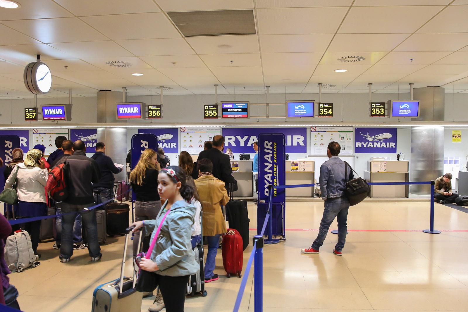 Регистрация на рейс Ryanair в аэропорту Барахас