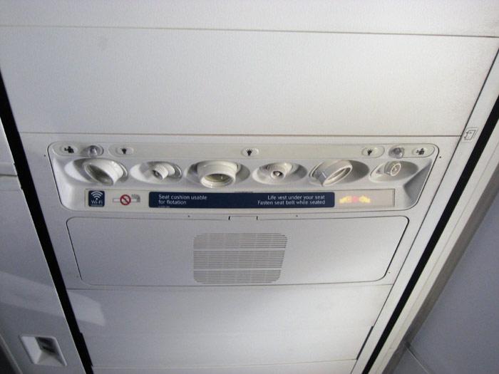 Passenger cabin of Delta's Boeing 737-800