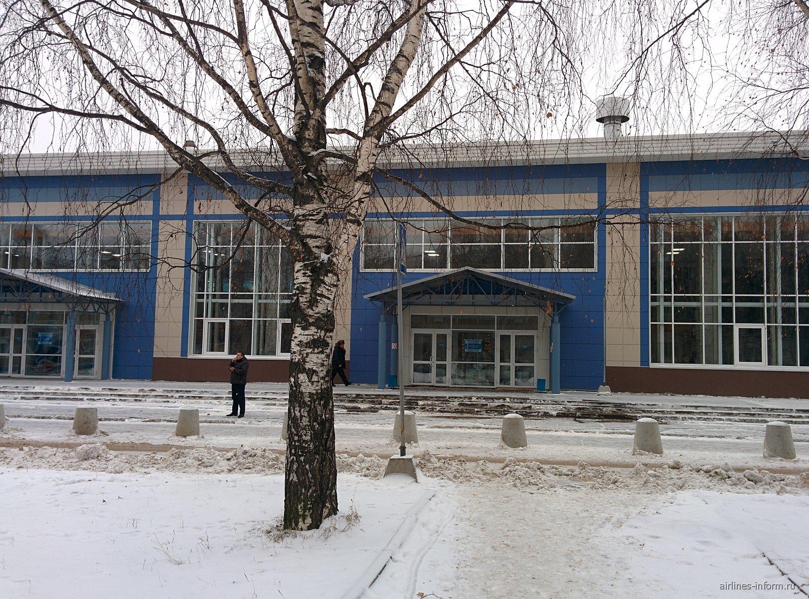 Терминал внутренних рейсов аэропорта Сыктывкар
