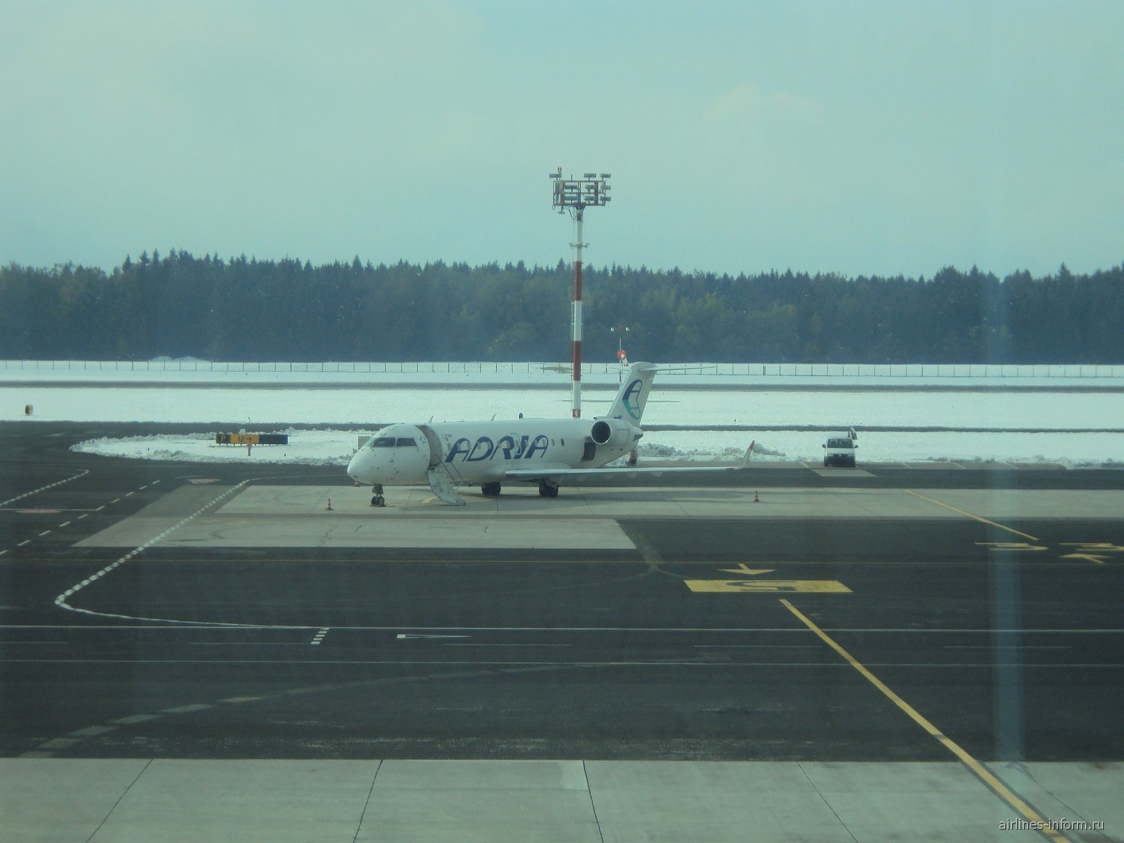 Bombardier CRJ200 авиакомпании Adria Airways в аэропорту Любляна