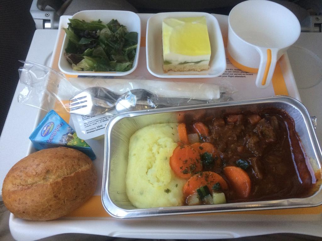 Бортпитание на рейсе Франкфурт-Москва авиакомпании Lufthansa