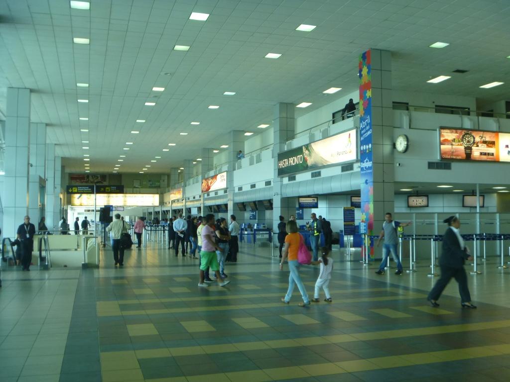 Зал вылетов в аэропорту Панама Токумен