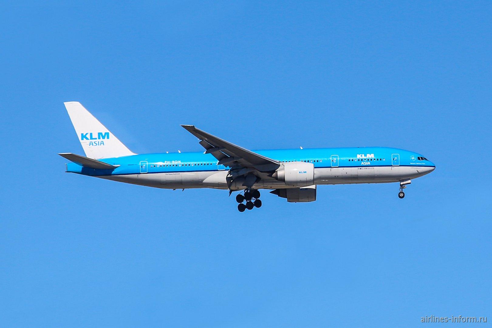 В полете Боинг-777-200 KLM Asia