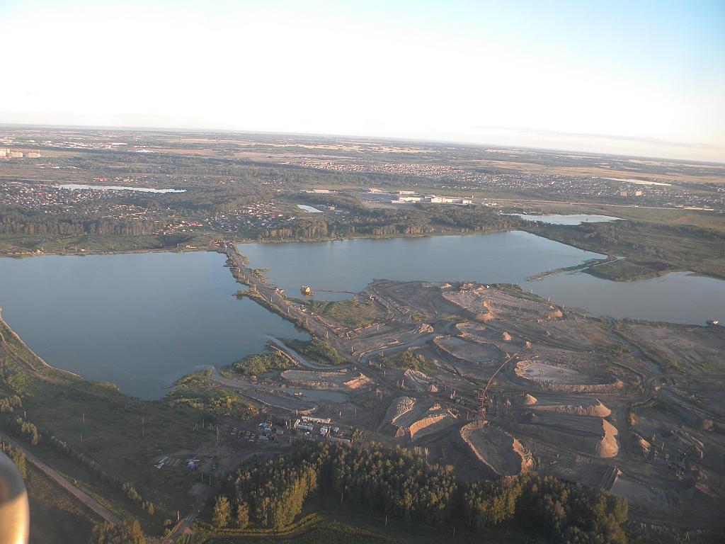 Карьер с озером рядом с Новосибирском
