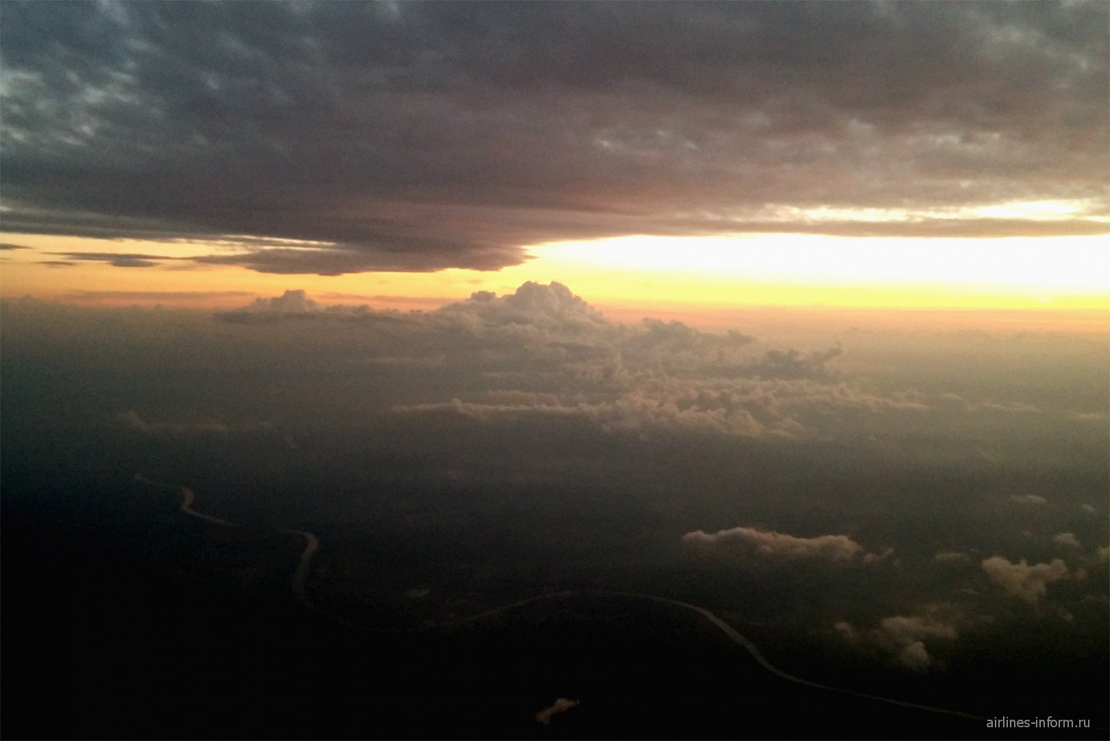 Закат на подлете к Москве