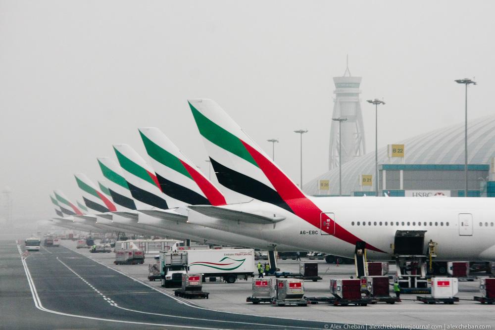 Самолеты авиакомпании Emirates в аэропорту Дубай