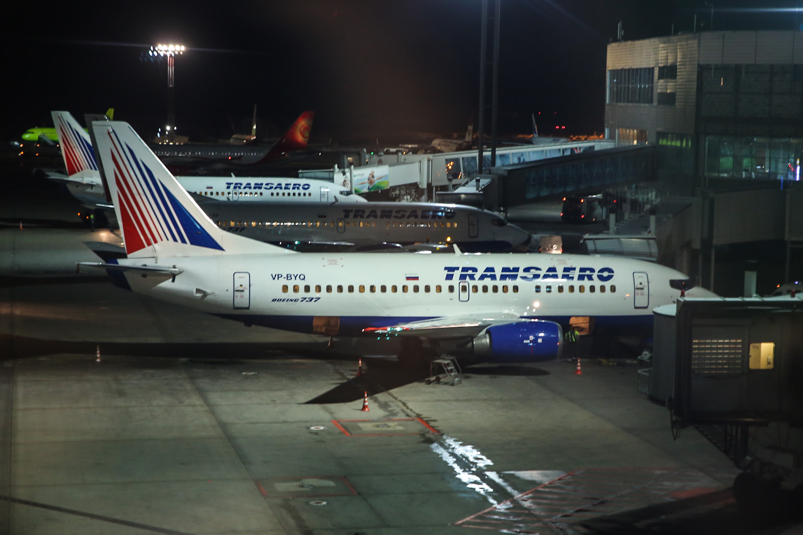 Боинги-737-500 авиакомпании Трансаэро в аэропорту Домодедово