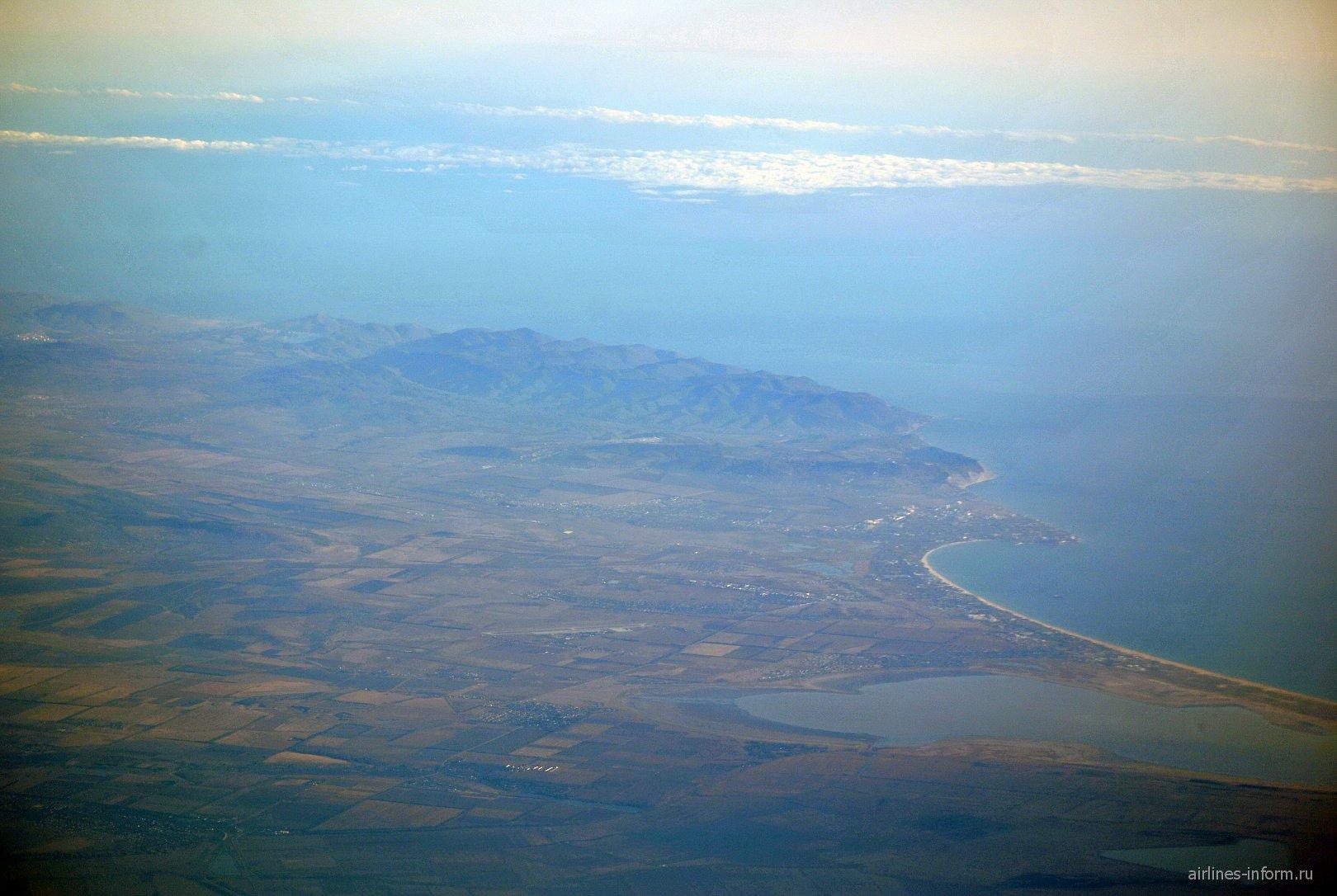 Таманский полуостров и Чёрное море