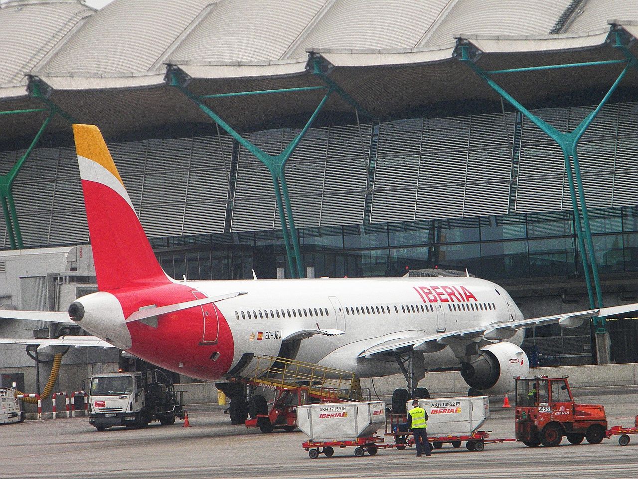 """Самолет Airbus A321 авиакомпании """"Иберия"""" в аэропорт Мадрид Барахас"""