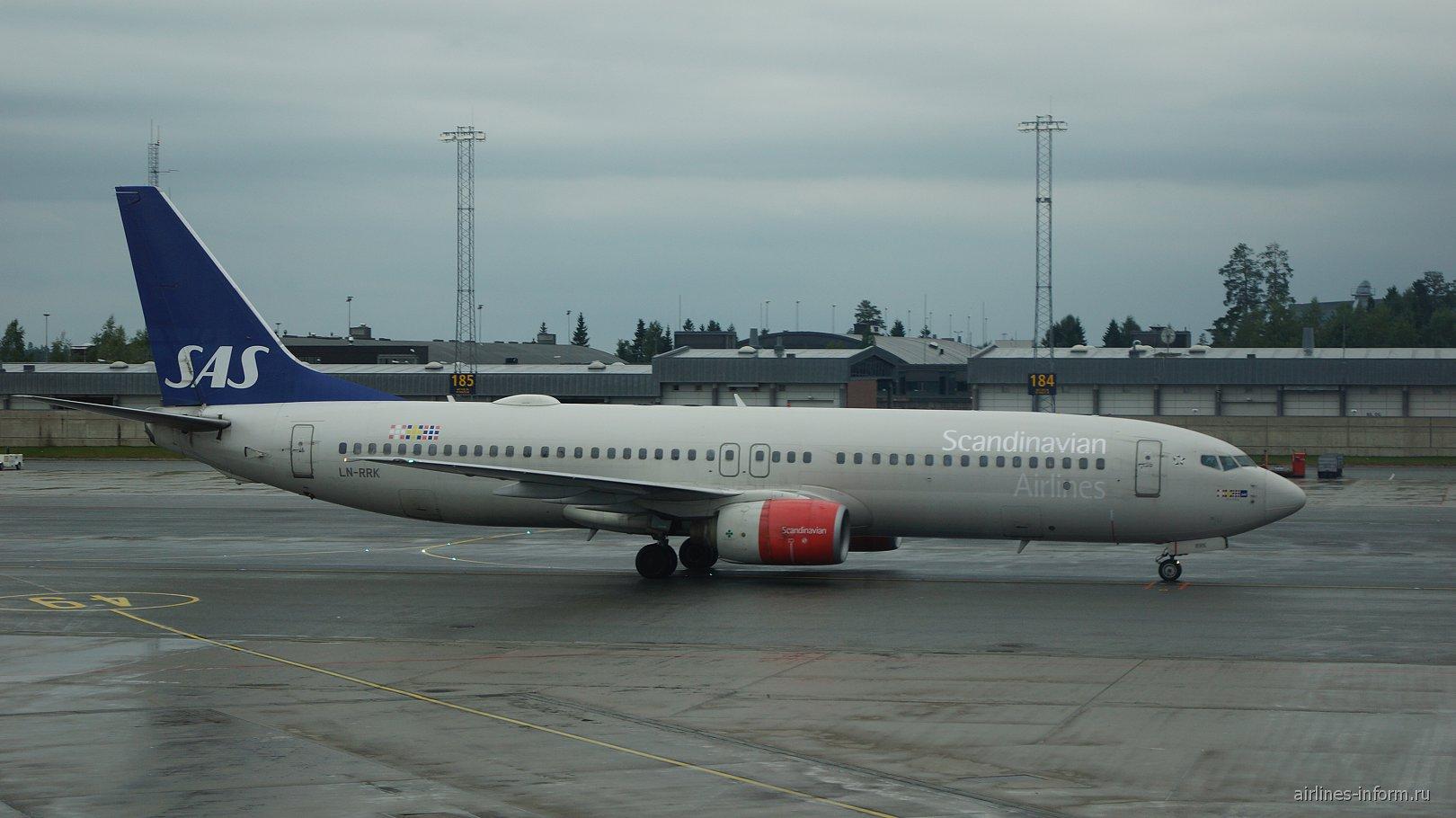 Боинг-737-800 авиакомпании SAS в аэропорту Осло Гардермуэн