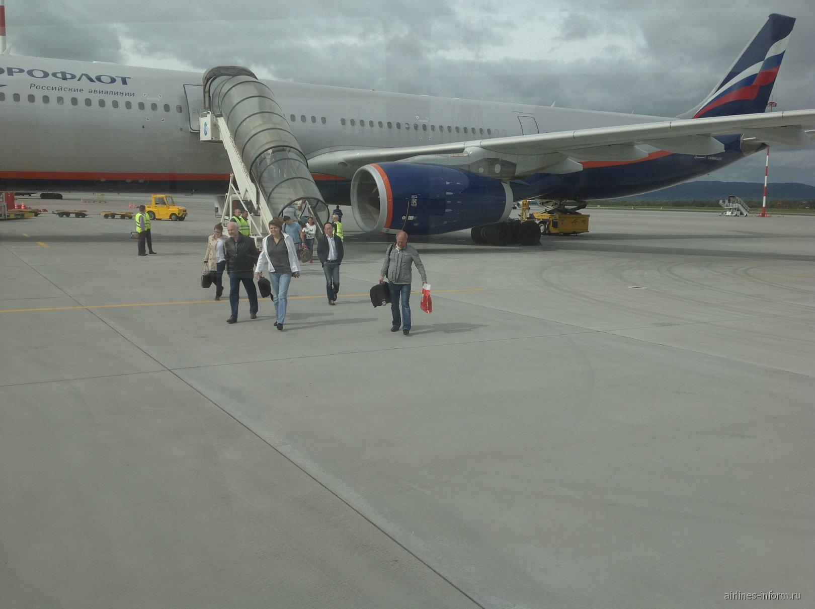 Рейс Аэрофлота прибыл во Владивосток