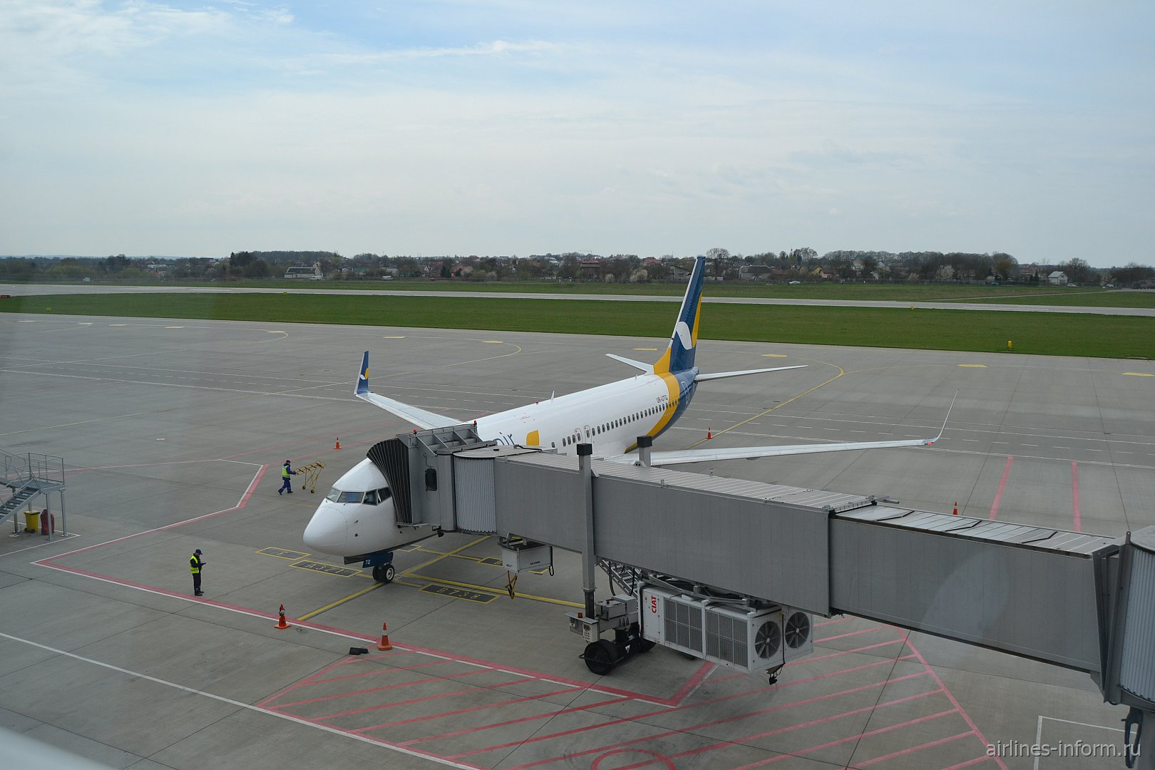 Турция на майские. Львов (LWO) - Анталья (AYT) B738 Azur Air Ukraine.