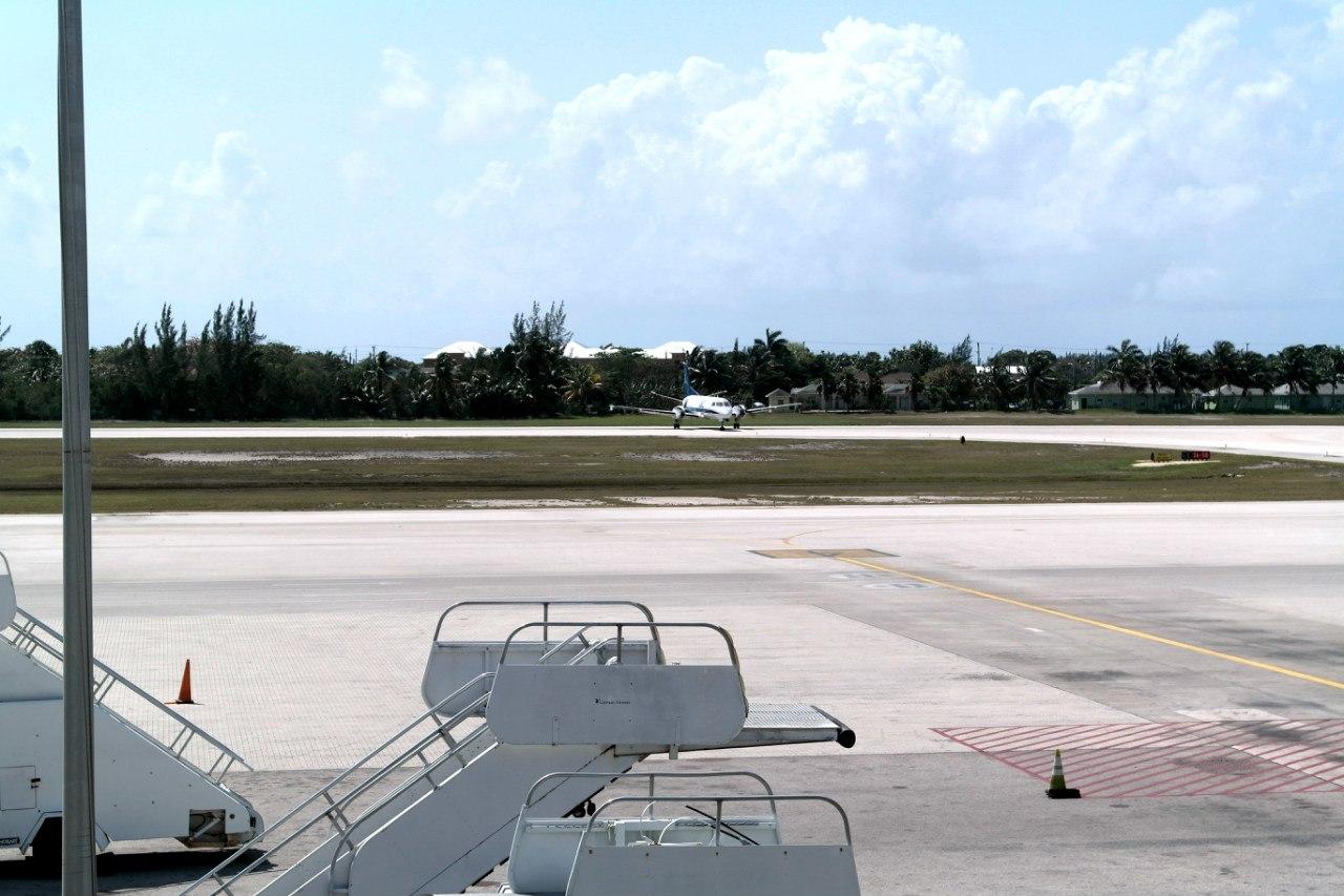 Airbus A320 JetBlue в аэропорту Джорджтаун на Каймановых островах