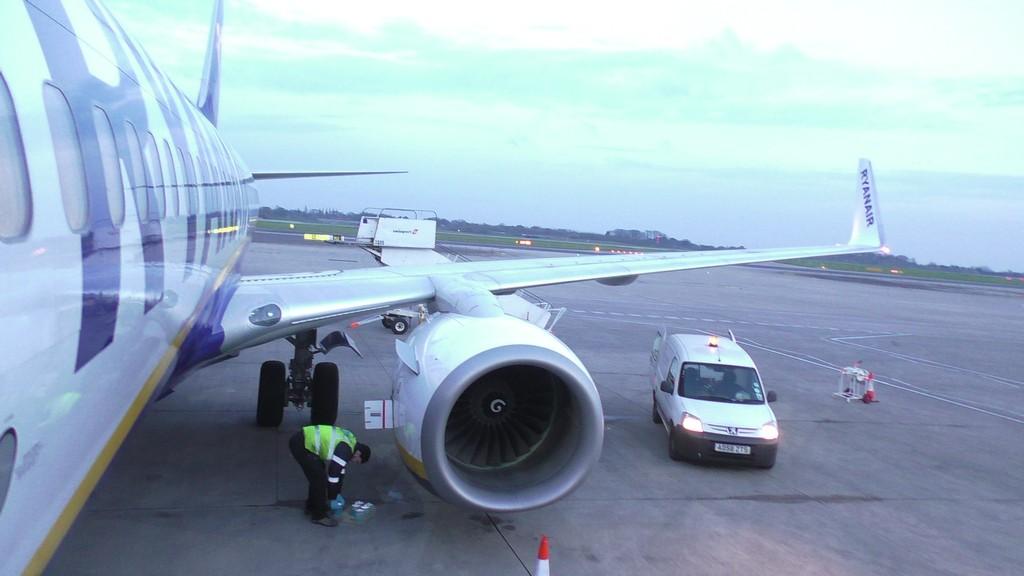 Ryanair Dublin to Manchester Full flight