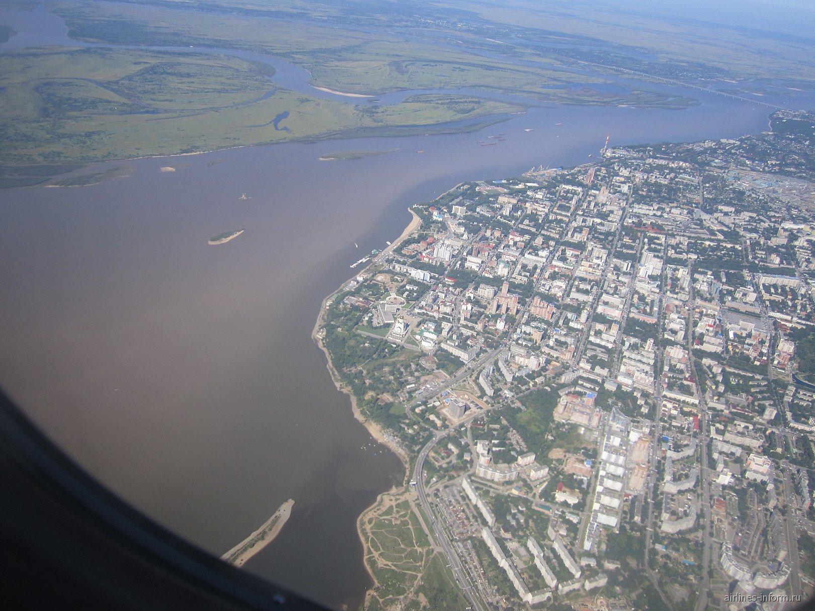Центр города Хабаровск и река Амур
