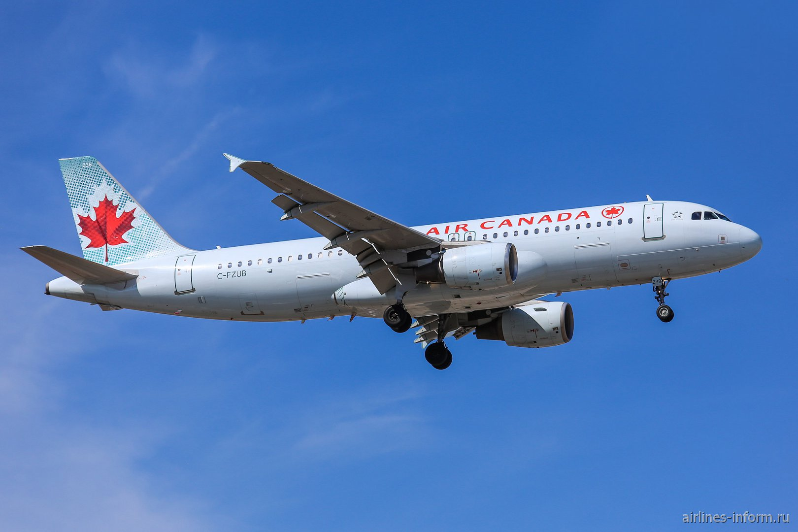 Самолет Airbus A320 C-FZUB авиакомпании Air Canada