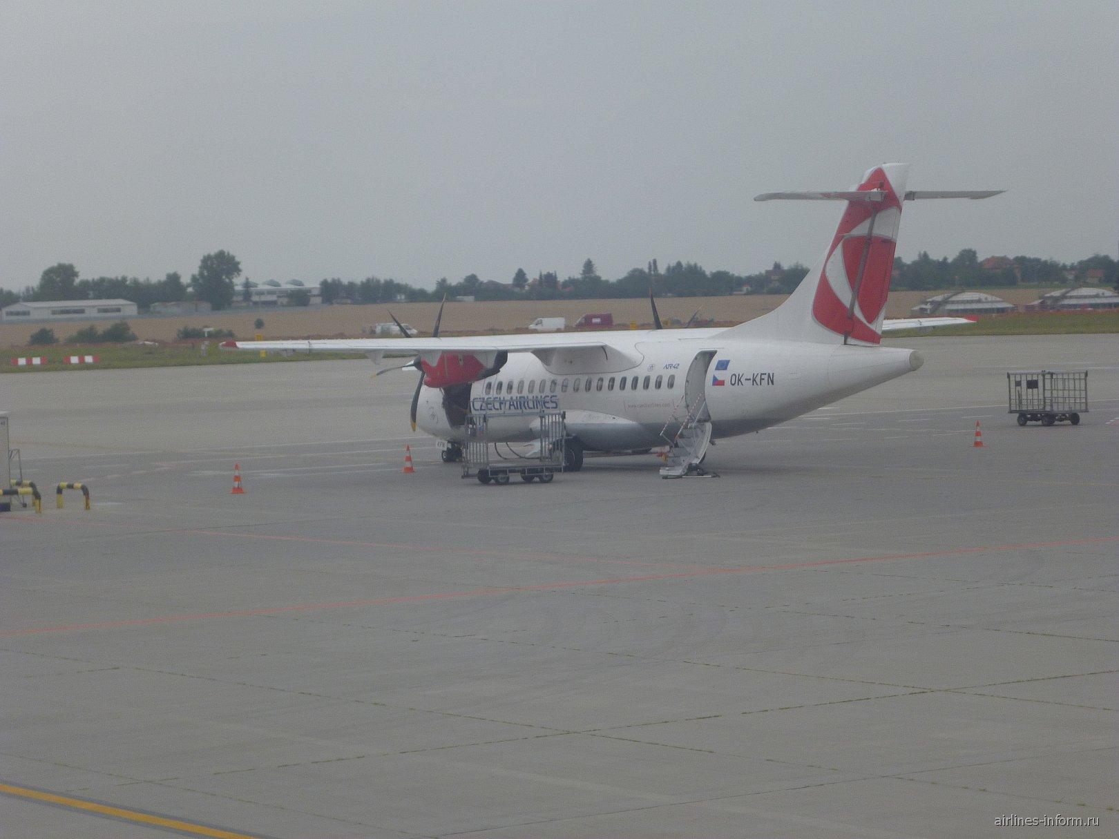 ATR 42-500 Чешских авиалиний в аэропорту Праги