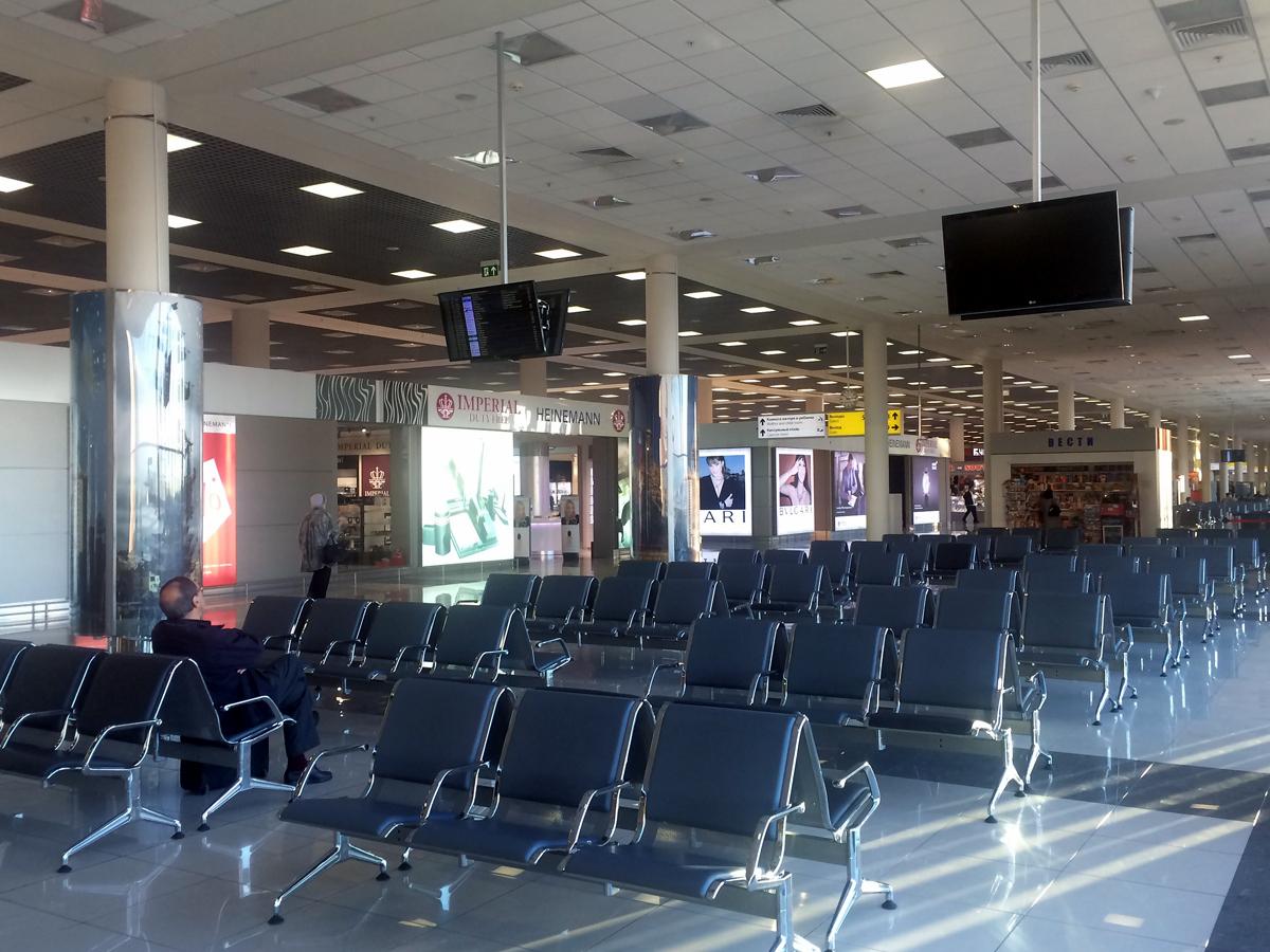 Зал ожидания в терминале Е аэропорта Шереметьево
