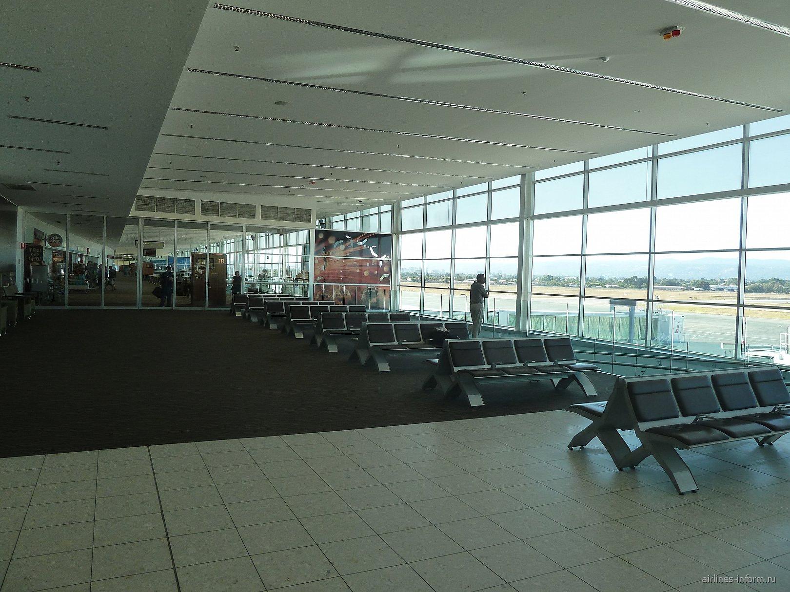 Залы ожидания с выходами на посадку в аэропорту Аделаида