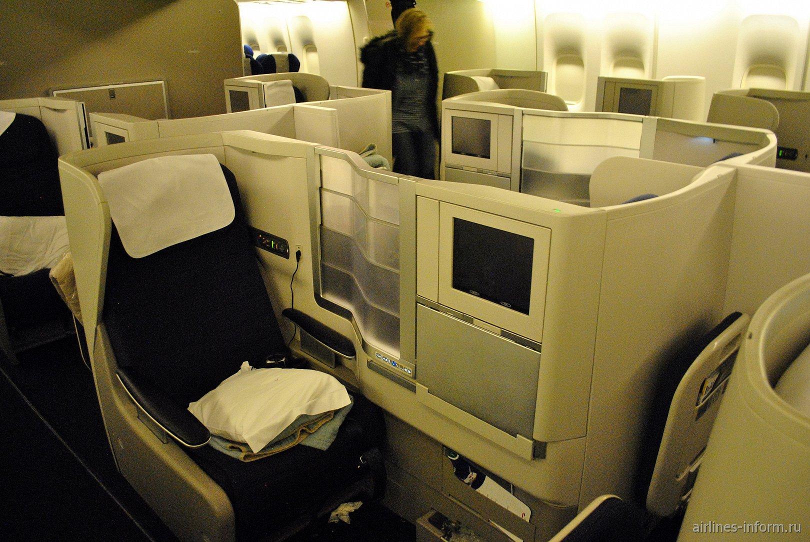 "Бизнес-класс ""Club World"" в Боинге-747-400 Британских авиалиний"