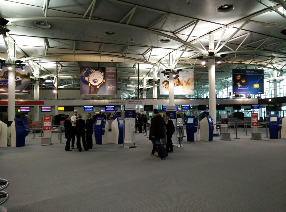 Зона регистрации в Холле 4 аэропорта Марсель Прованс