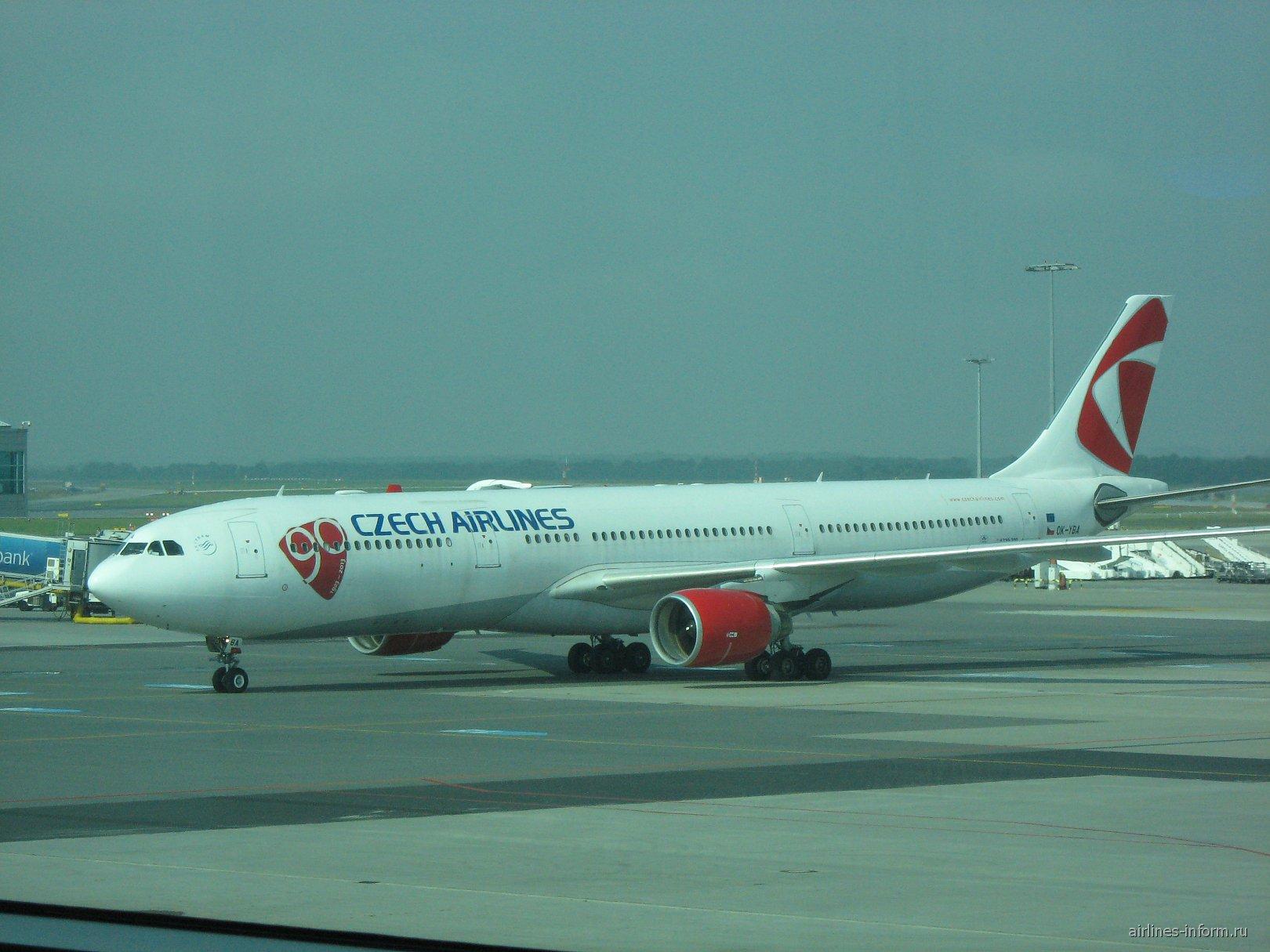 Airbus A330-300 Чешских авиалиний в аэропорту Праги