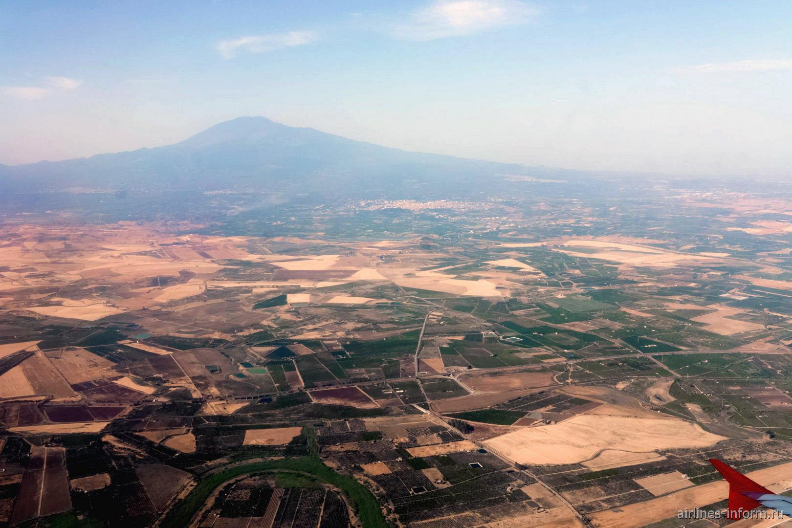 Гора Этна в Сицилии