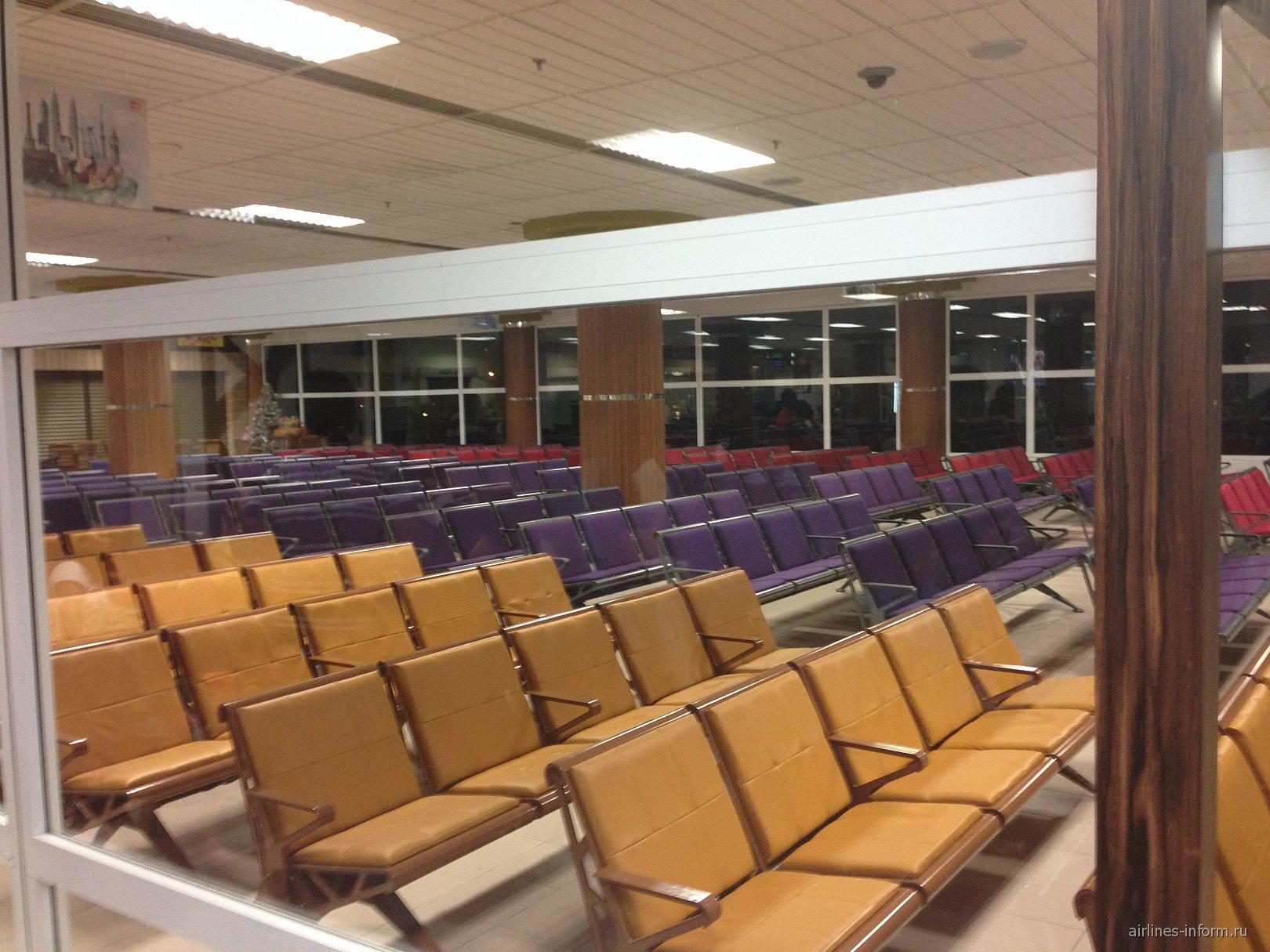 Зал ожидания международных рейсов в аэропорту Лангкави