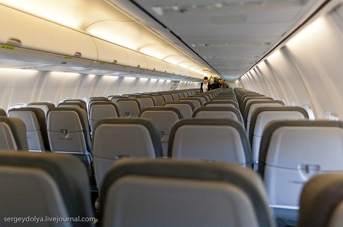 В самолете Боинг-737-800